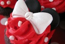 A Minnie Mouse Party Say What? / by Molly Schneider