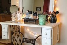 Cosmetic / Vanity table