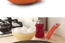 kitchen gadgets / by Kayleigh Rich