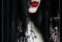 Dark Fantasy Photo Shoot Ideas / Themes, poses, outfits, makeup and hair ideas I would love to try out in photoshoots one day