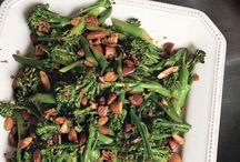 Delish Recipes / by Lindsay Hammond