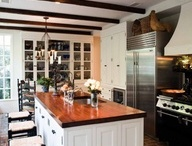 Kitchens / by Ashley Callahan