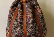 kıyafet, çanta, ayakkabı...