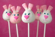 Easter Party / Everything you need to throw a perfect Easter celebration: food ideas, invitations, decor, printables, games and activities.
