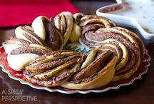 Chocolate Cinnamon Bread Wreath