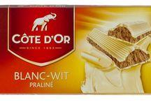 Chocolat côte d'or blanc / Toute la finesse du chocolat blanc Belge. Le chocolat blanc est une confiserie de couleur blanche produite à partir du beurre de cacao. www.chockies.net