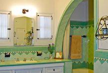 Bathrooms / by Gabbysgm .