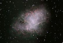 MESSIER /  Lista de 110 objetos astronómicos confeccionada por el astrónomo francés Charles Messier y publicada originalmente (103 entradas) entre 1774 y 1781.