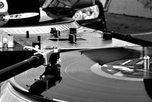 DJ world; mixdeck; cases; vinyls etc.