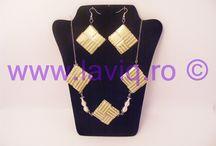 Candy wrapper necklaces by LaviQ  (coliere eco) / Aceste coliere LaviQ pot sta mandre la gatul unei nonconformiste. www.laviq.ro www.facebook.com/pages/LaviQ/206808016028814