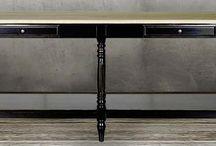 Sidetables | Rofra Home / Sidetables creëren een gezellige sfeer in je interieur. Ze zijn zowel functioneel als stijlvol. Door de lades of mandjes wordt er opbergruimte gecreëerd en door persoonlijke spullen of woonaccessoires toe te voegen ontstaat er een gezellige sfeer. Veelal zien we sidetables in de hal staan, maar er zijn meer mogelijkheden. Plaats een sidetable bijvoorbeeld achter je bank wanneer deze niet tegen een muur staat of zet deze functionele tafel in de slaapkamer.