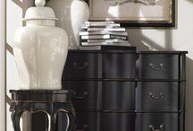 Le noir est une couleur/ Black is color / Le noir exprime le luxe et la sobriété. Il définit une ambiance masculine lorsqu'il est associé à des tons bruns. Le noir est une vraie couleur, indispensable en décoration !