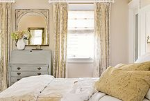 Bedrooms / by Tami Rasmussen