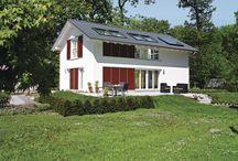 AH Sunshine Rheinau-Linx / Bei WeberHaus Sunshine 300 haben Sie vielfältige Möglichkeiten, Ihr Zuhause auf Ihre individuellen Wohnwünsche abzustimmen. Auf einer Wohnfläche von bis zu 140 qm Quadratmetern ist viel Platz für große und kleine Individualisten. Flexibel präsentiert sich dieser Entwurf außerdem bei den Ausstattungsdetails: Wählen Sie z. B. die Fensterläden, die Ihnen am besten gefallen.