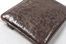 3.7.6. iPad case / Natural leather case for iPad 2 and iPad3, with space for cable, pen and your iPhone. Detachable shoulder strip. Enquire on info@376west.com