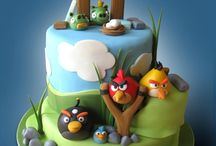 Angry Bird cakes