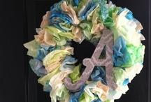 Wreaths , Bows & flowers / by Jackie Green Vargas