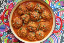 Meatballs / Meatball Recipes: appetizer meatballs, spaghetti and meatballs, party meatballs, albondigas, chicken meatballs, turkey meatballs, meatball subs, Swedish meatballs - it's all here!