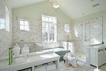 bathrooms / by Frannie Roberts