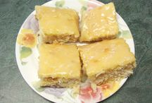 Cakes / For cake lovers, good recipes for great-tasting cakes.