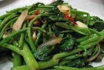 Tumis / Aneka olahan masakan yang ditumis baik sayuran maupun daging segar ada disini.