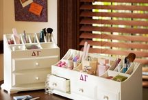 Makeup storage / by Jannette Alicea