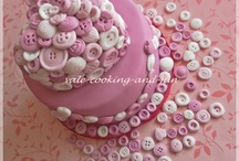 kitting & button cakes