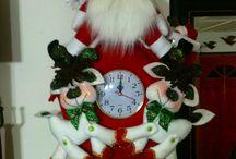 Decoraciones navideñas de fieltro