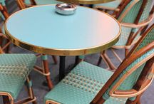 Coffee, please / The most beautiful cafés of Paris.