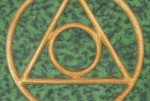 Encyclopedia of Mystery & Myths (Design)