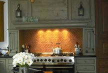 Kitchens / by Kristy Probst