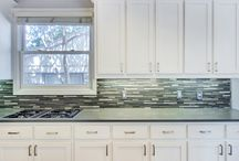 Transitional Kitchens / The happy medium between traditional and modern - the most in style choice nowadays