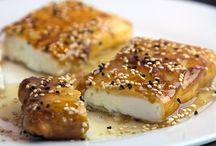Φέτα τηγανιτή με μέλι και σουσάμι / Στην τηγανιτή φέτα, λίγοι μπορούν να αντισταθούν!