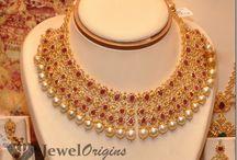 Bridal pearl jewellery