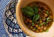 Tunesische Salate und Suppen / Eine Auswahl an Vorspeisen aus der tunesischen Küche. Slata und Chorba.