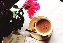Bi kahve?  / Güne güzel bir kahve ve çiçeklerle günaydın demeniz dileğiyle!  #escicekcom #esçiçek #çokyakında #çiçektasarım #çiçeğinyeniesintisi #günaydın #çarşamba
