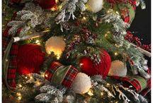 Red, White Plaid Christmas Tree