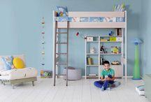 Παιδικές κουκέτες / Πρακτικές και λειτουργικές, οι παιδικές κουκέτες εξυπηρετούν με τον ιδανικότερο τρόπο περιορισμένους χώρους, στους οποίους επιβάλλεται να συγκατοικήσουν 2 ή ακόμα και 3 παιδιά.