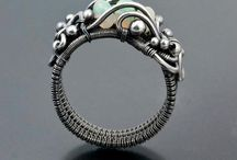 jewelry / earrings, bracelets, necklaces, rings, and other creative types of jewelry.