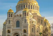 Russia and Cupolas / Images of Churches in Russia