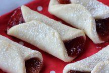 Cookies / Cookies: baking, making, and enjoying home made cookies.
