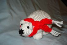 Free Polar Bear Crochet Patterns / by Sharon Ojala