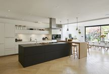 Case Study - Combined Elegance / Kitchen Architecture – bulthaup b3 furniture in kaolin and graphite with Neolith Estaturio marble work surface and back splash and a natural structured oak bar.