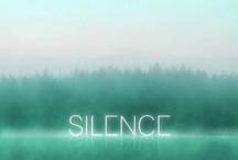 Exposition SILENCE / La nouvelle tendance déco est... le silence ! Elizabeth Leriche, chasseuse de tendances, a retenu Balsan et ses dalles acoustiques pour son exposition de tendance « SILENCE ». En effet, grâce la sous-couche acoustique Sonic Confort, Balsan allie l'isolation phonique et le respect de l'environnement avec ses dalles textiles.