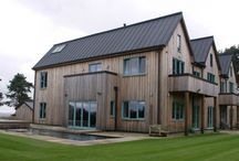Contemporary clad oak framed house / This oak framed house has a number of highlights including a simply stunning kitchen, double storey and very impressive dining hall as well as an outdoor pool.
