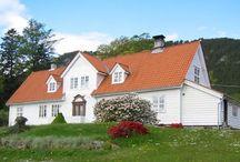Embetsboliger / Bilder av norske embetsboliger fortrinnsvis oppført i perioden fra ca 1660 til ca 1940.