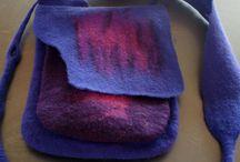 FilzTaschen und Hüllen / handgefilzte Taschen, KrimsKramstaschen