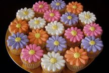 Creative Cupcakes / by Christen Mayes