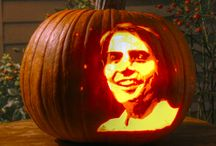 Geeky Gourds: Nerdy Halloween Jack-o-lanterns / by Nerdist.com