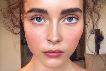 skin is in / natural makeup looks, natural makeup ideas, light makeup, soft makeup look, glowing skin makeup, minimal makeup routine,
